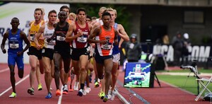 Knight, at right, was in 12th with 800 meters to go in the 5000-meter race when he kicked and began passing runners.