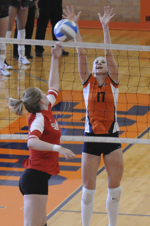 Consistently recording 30 to 40 assists per game, SU volleyball setter Laura Homann has played a key role in the Orange's record start to the season.