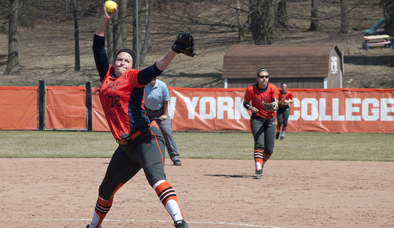 Syracuse splits first 2 games of season at Sportco Kick Off Classic